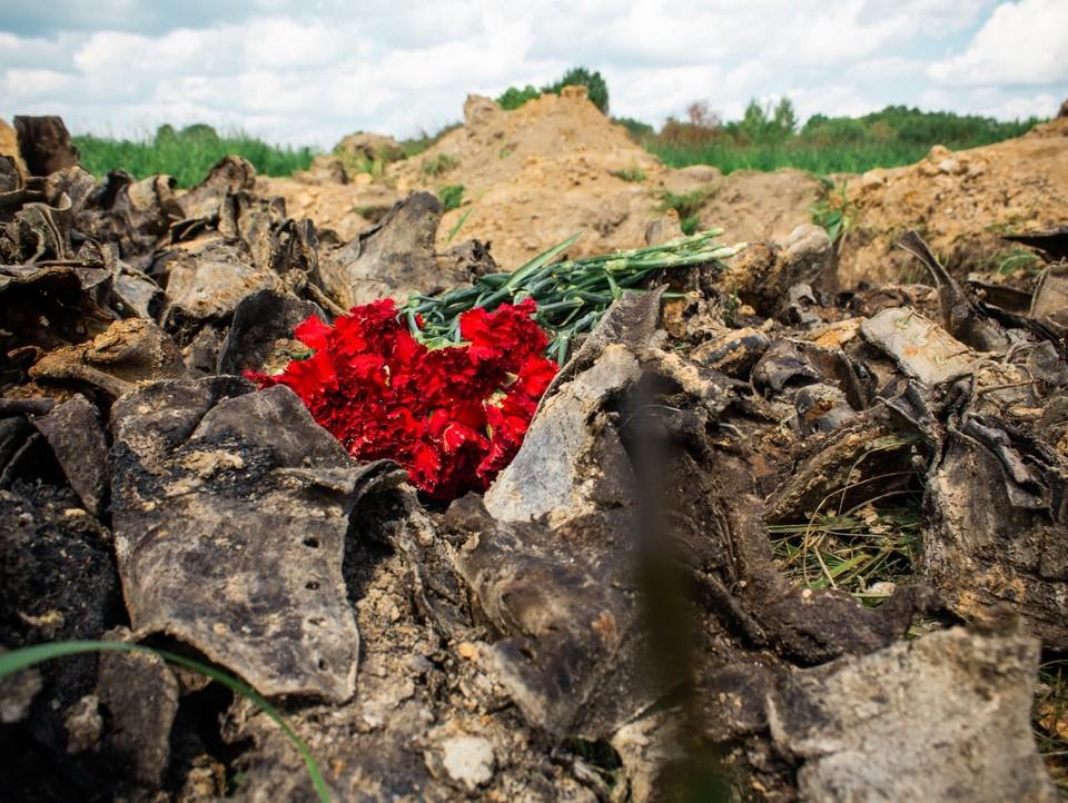 Вскрытие могилы на острове Клест спустя 80 лет после Финской войны. Фото: архив поисковых отрядов «Советский патриот» и «Космос»