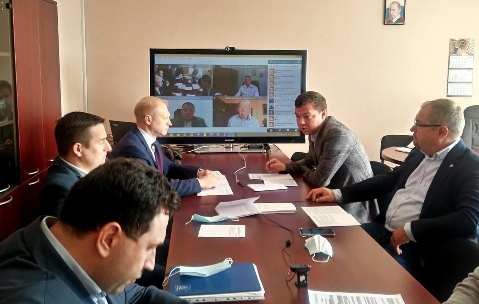В обсуждении проектов госпрограмм помогает система видеоконференцсвязи.