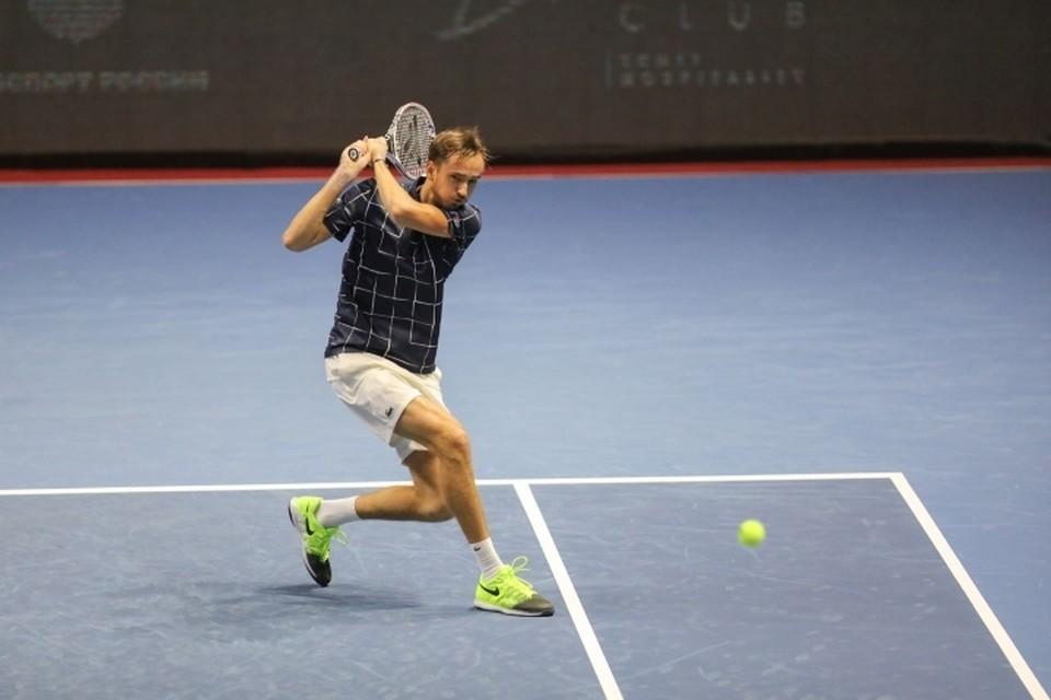 Даниил Медведев обыграл Ришара Гаске в первом круге турнира St.Petersburg Open 2020.