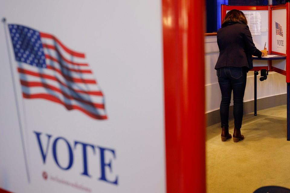 На сегодняшний день свой голос на президентских выборах уже отдали свыше 10 млн. американцев.