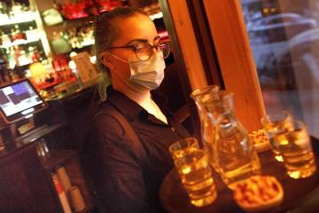 Штрафы за отсутствие чек-инов и QR-кодов в клубах и барах Москвы: до 500 тысяч рублей