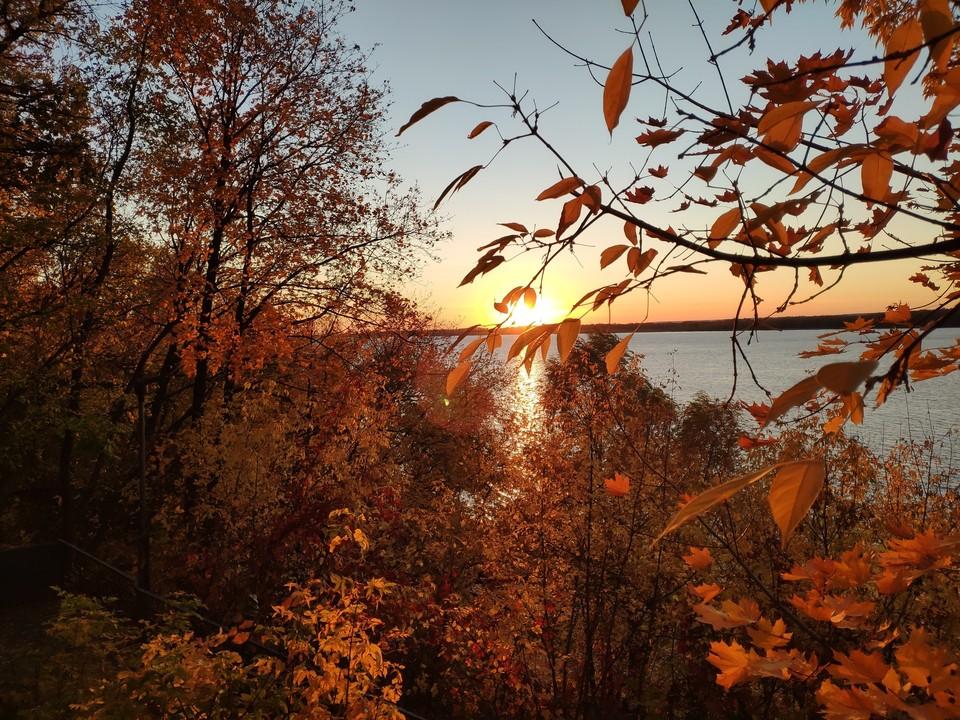 Пока что золотая осень продолжается