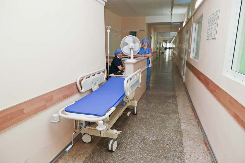 """Число """"тяжелых"""" больных держится стабильно на высоком уровне"""