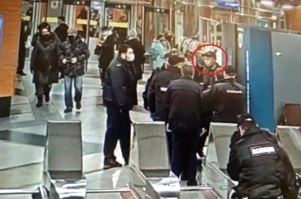 Пассажир устроил скандал в метро