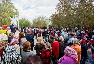 Президент Молдовы в Глодянском районе: Люди спрашивали о медицине, газификации, водопроводе и канализации, дорогах, пенсиях