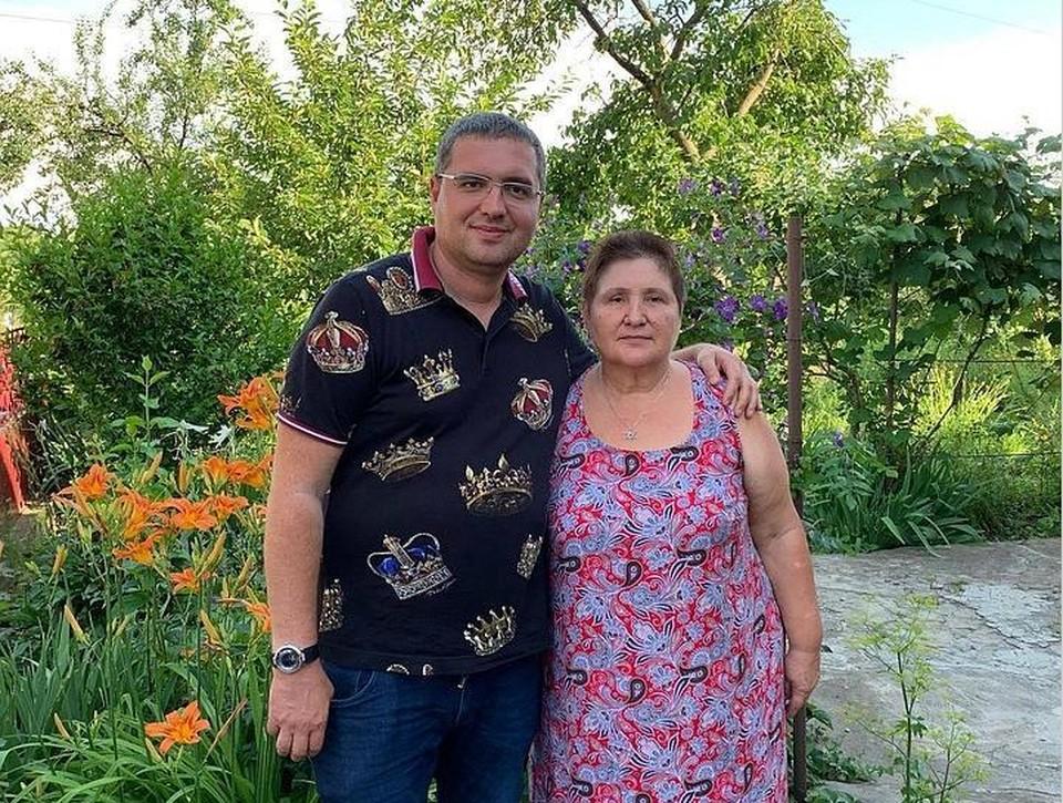 Никто не пожалеет, только мама: В Молдове мать-пенсионерка Ренато Усатого пожертвовала сыну 3,7 млн. леев