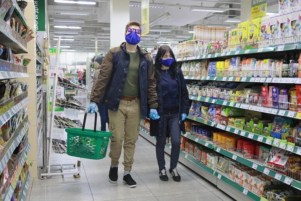 Иммунолог посоветовал, как не подхватить болезнь в магазине