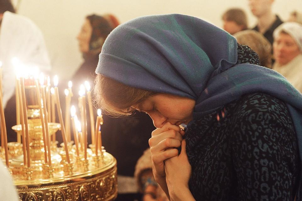 Как молиться правильно и чем человеку помогает молитва?