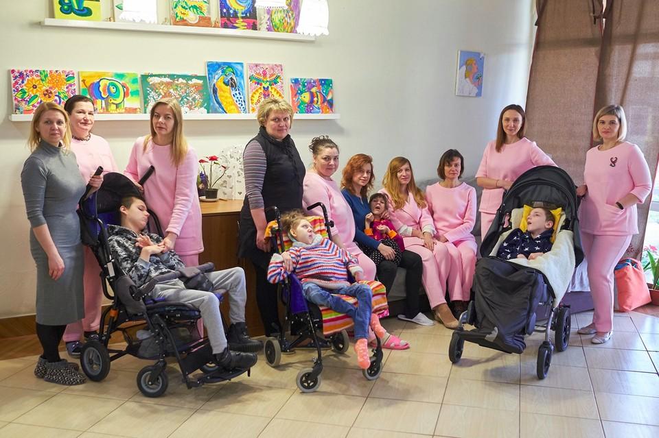 В Гродненский детский хоспис пришли сотрудники ДФР. Фото: facebook.com/grodno.children.shospice