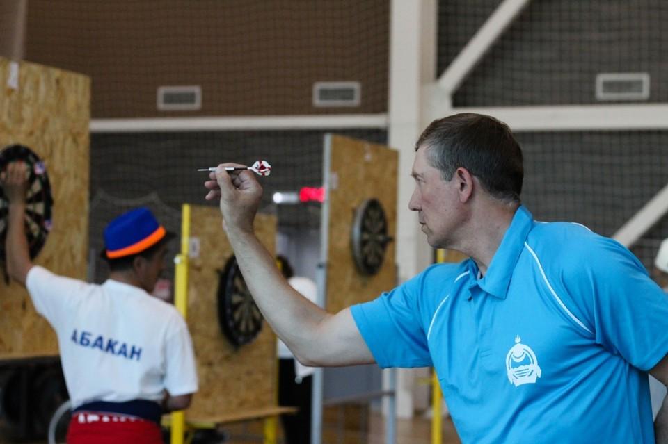 Дартс в Иркутске: спорт для джентльменов. Фото: Анастасия ХУДЯКОВА