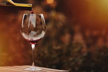 В американском ресторане влюбленных по ошибке напоили вином за $2000