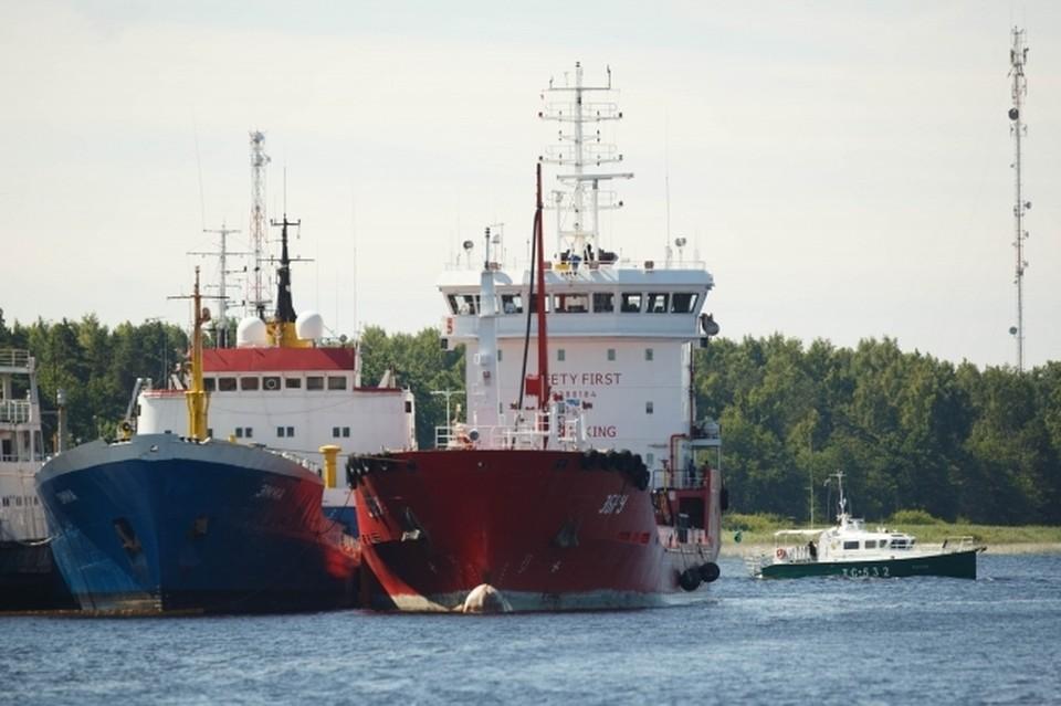 В Азовском море взорвался танкер под российским флагом.