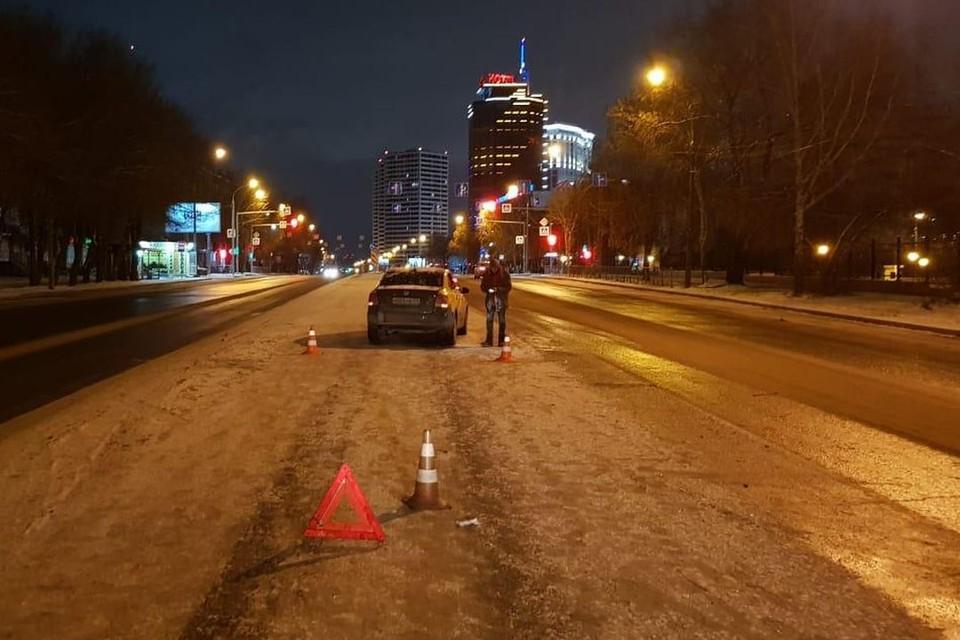 Водитель не заметил мужчину в темноте. Фото: УГИБДД по г. Новосибирску.