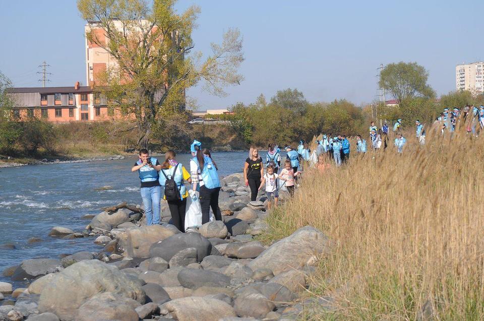 Свыше 1000 мешков мусора вывезено с берегов Терека и других рек региона