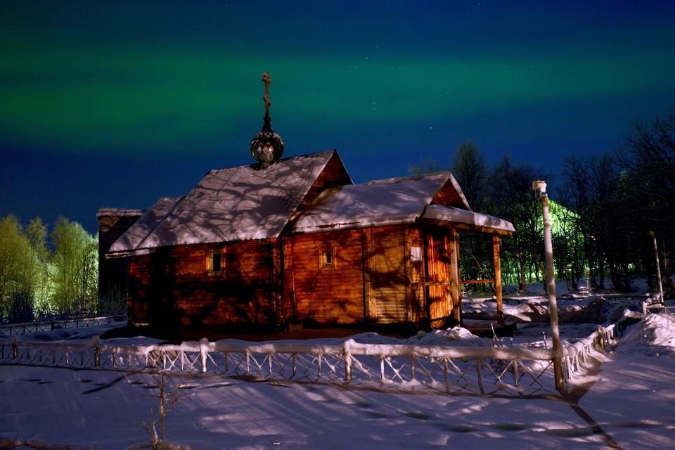 Туристов в Мурманскую область зовут не только на северное сияние смотреть, но и увидеть красоту региона в другие времена года.
