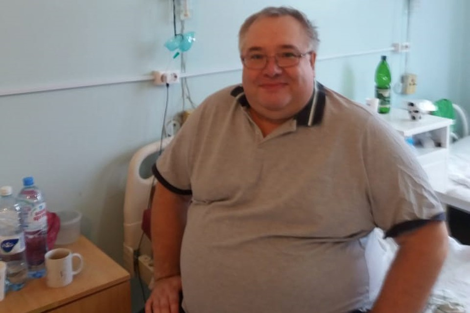 Виктор тяжело переболел коронавирусом, и сейчас он продолжает восстанавливаться.