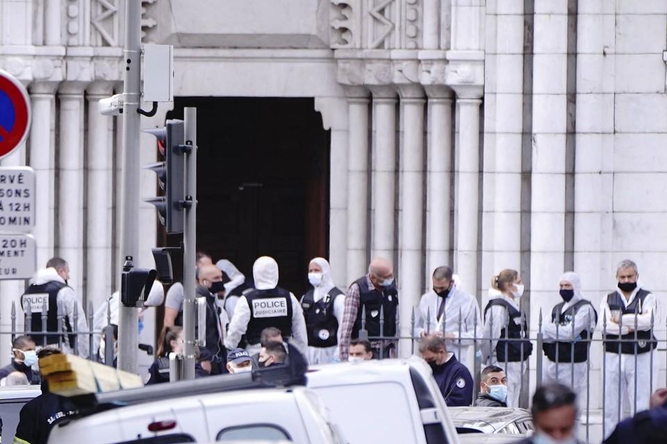 Французская полиция задержала еще одного человека, который хотел устроить нападение возле церкви близ Парижа.