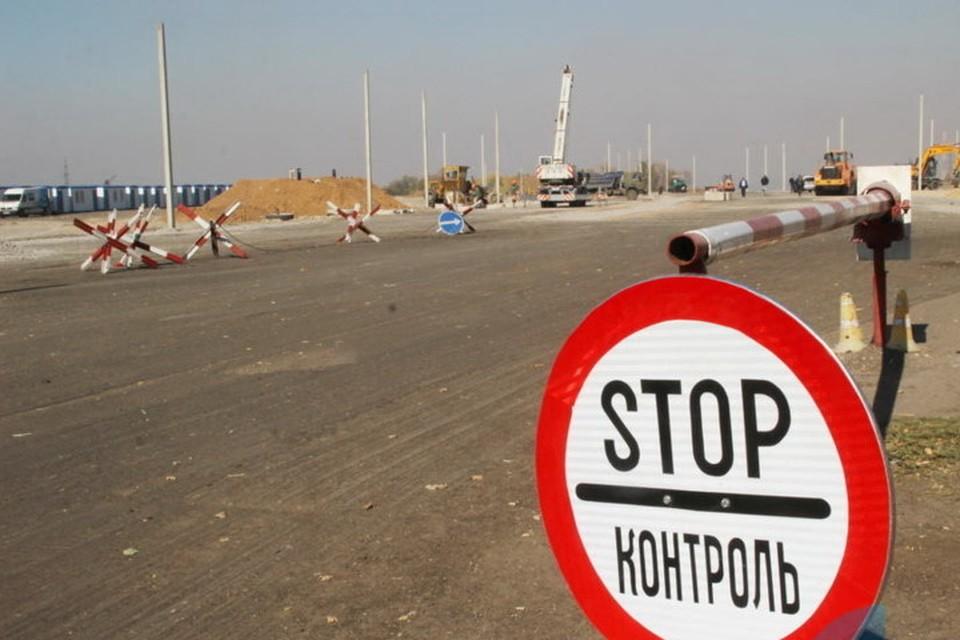 На новых пунктах пропуска в Донбассе в лучшем случае лишь торжественно ленточку перережут. Фото: ЛИЦ