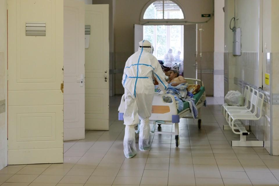 От инфекции скончались 407 человек.