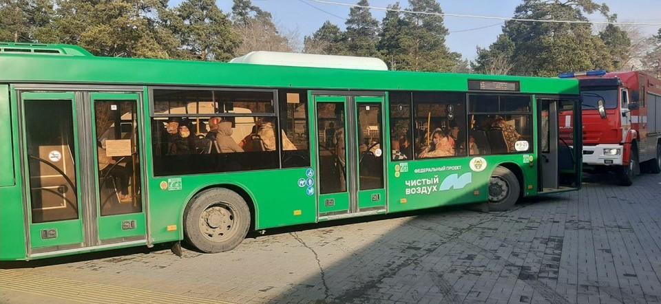 Пациентов вывозят автобусами