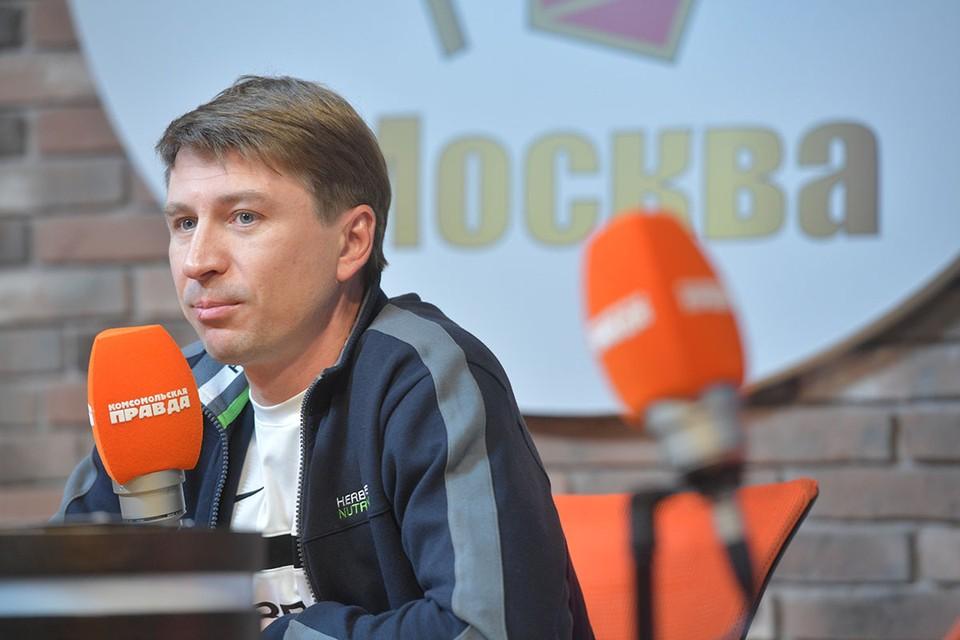 Прославленный фигурист – о ледовом проекте, соведущей и подколах Евгения Плющенко