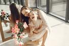 Жители Удмуртии продолжают поздравлять своих мам с «профессиональным» праздником