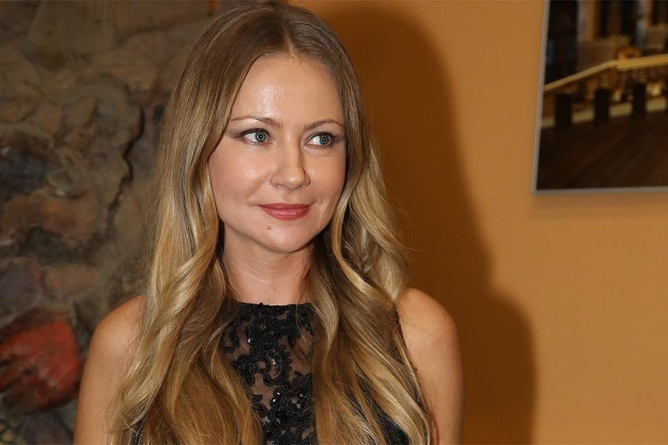 47-летняя актриса Мария Миронова показала маленького сына от нового мужа