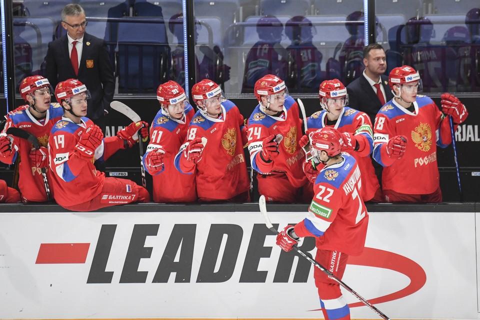 Игроки сборной России в матче первого Кубка Карьяла в рамках Еврохоккейтура между сборными России и Финляндии. Фото: EPA/KIMMO BRANDT/ТАСС