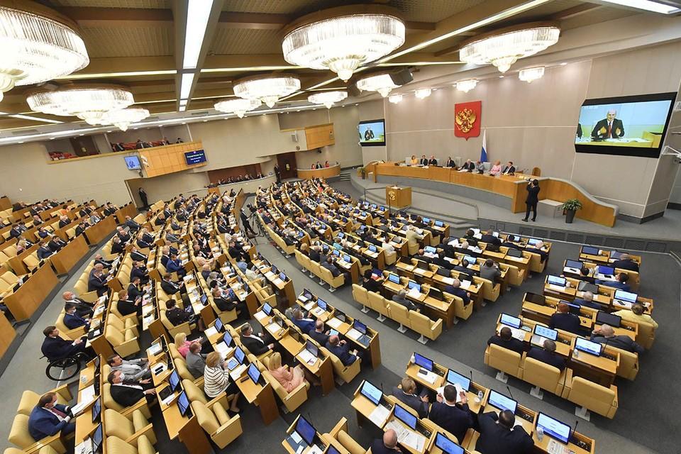 По итогам голосования все пять министров и один вице-премьер были утверждены в должностях.