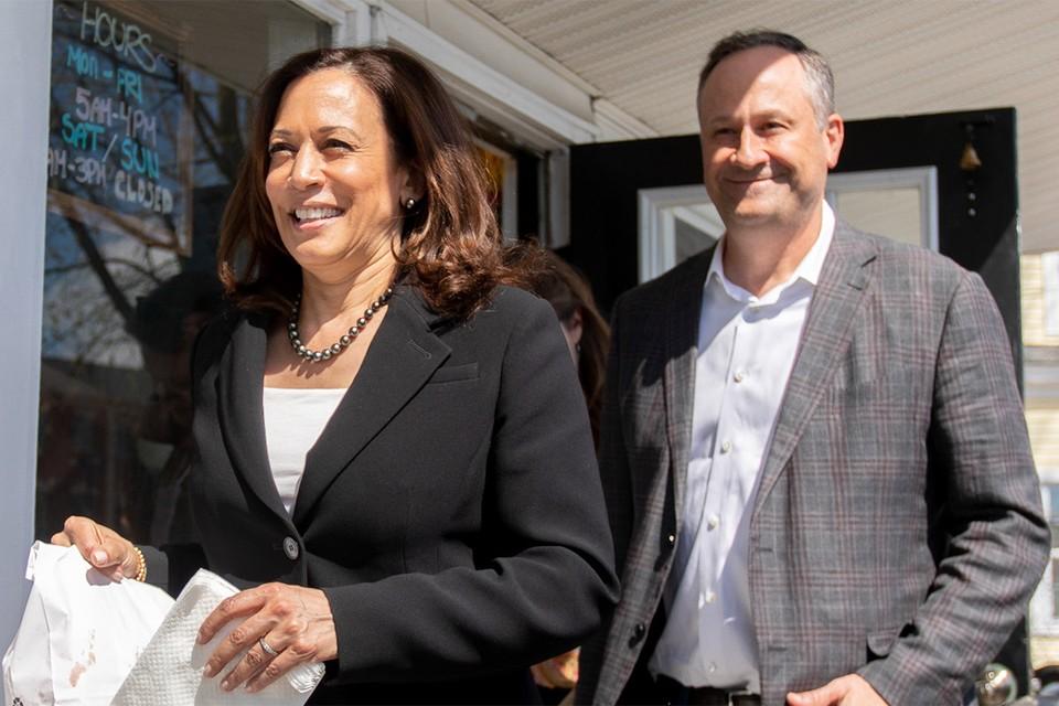 Камала Харрис с мужем Дугом Эмхоффом.