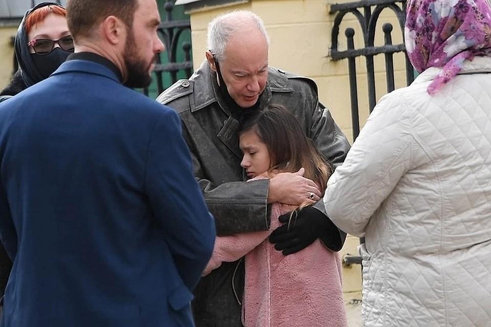 По словам Конкина, Калиса будет жить в Санкт-Петербурге с близкими родственниками