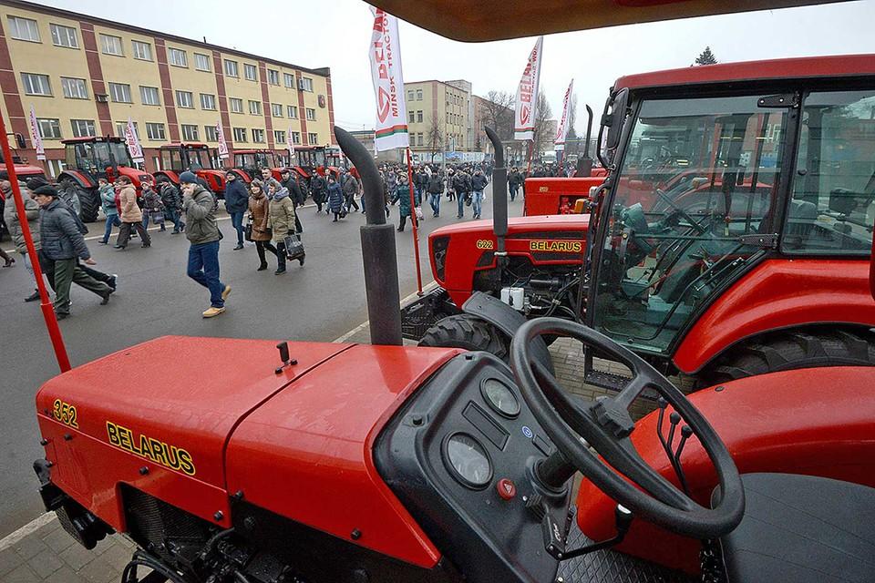 В сентябре сократились продажи за рубеж отечественных тракторов, седельных тягачей и легковых автомобилей.