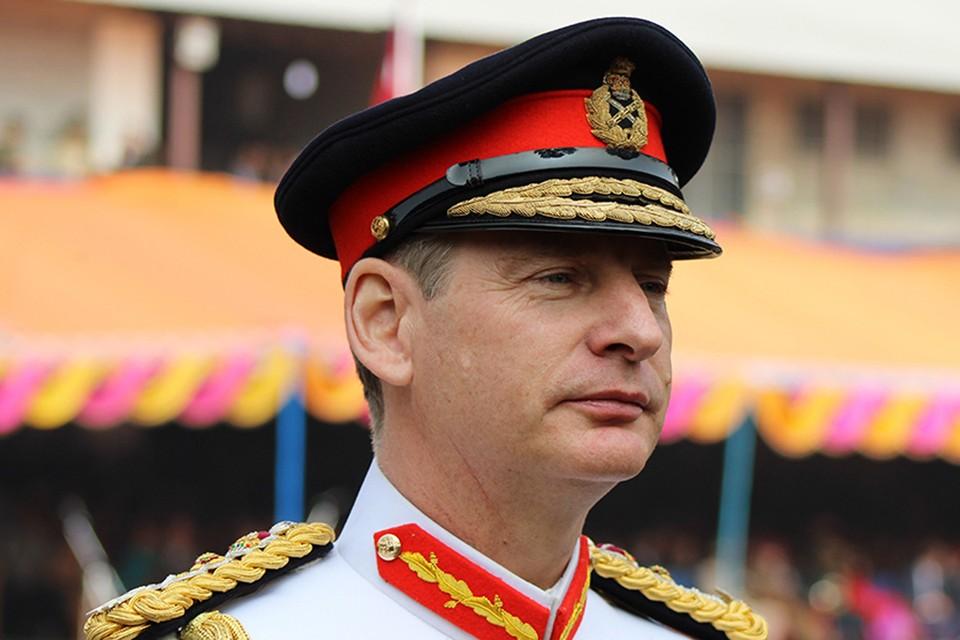 Потерялся начальник штаба сухопутных войск королевства генерал Марк Карлтон-Смит