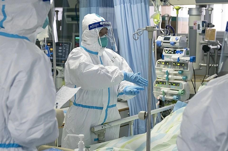 Мужчина заболел коронавирусом и лишился восьми пальцев