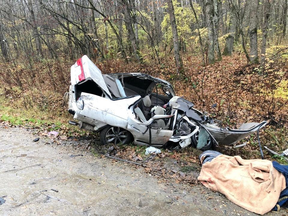 Причины аварии уточняются. Фото: ГУ МВД по Краснодарскому краю.