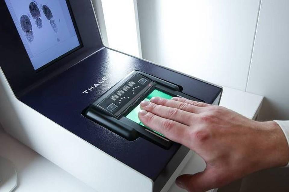 МВД России в течение трех лет создаст централизованный банк биометрических данных россиян и иностранцев. Фото: Артем Геодакян/ТАСС
