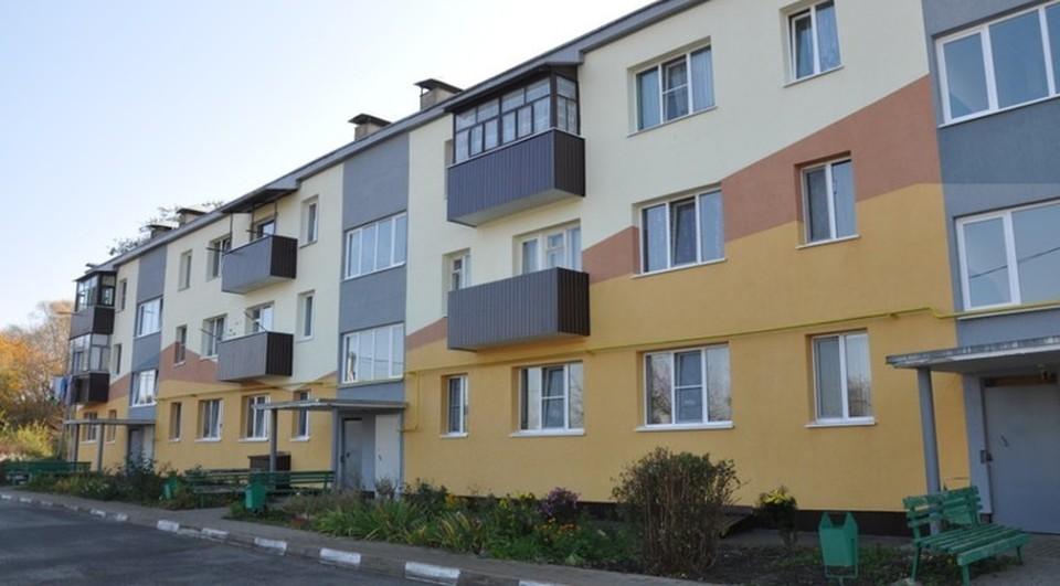 В Губкине фасады трех домов стали эстетичнее после капремонта. Фото пресс-службы администрации Губкинского городского округа