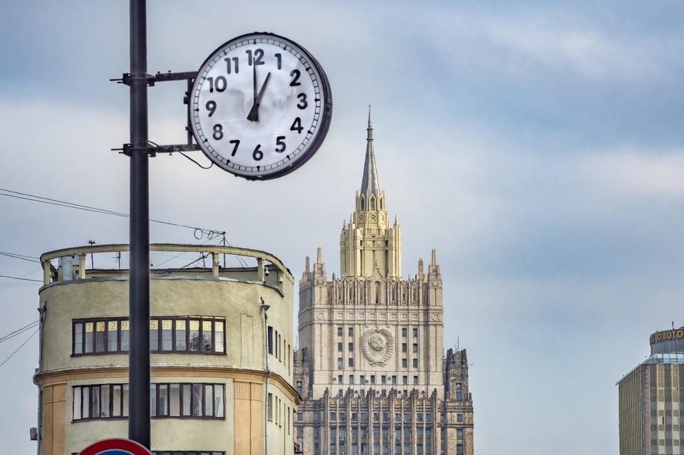 В МИДе заявили, что Россия будет добиваться того, чтобы оставшиеся в договоре об открытом небе (ДОН) страны выполняли свои обязательства.