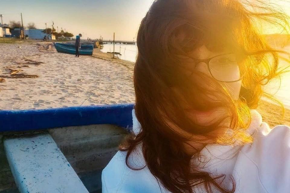 37-летняя мама двоих детей Вероника Белоусова решилась на эмиграцию, не испугавшись пандемии, и теперь подробно рассказывает о тернистом пути навстречу мечте. Фото с личной страницы героини публикации
