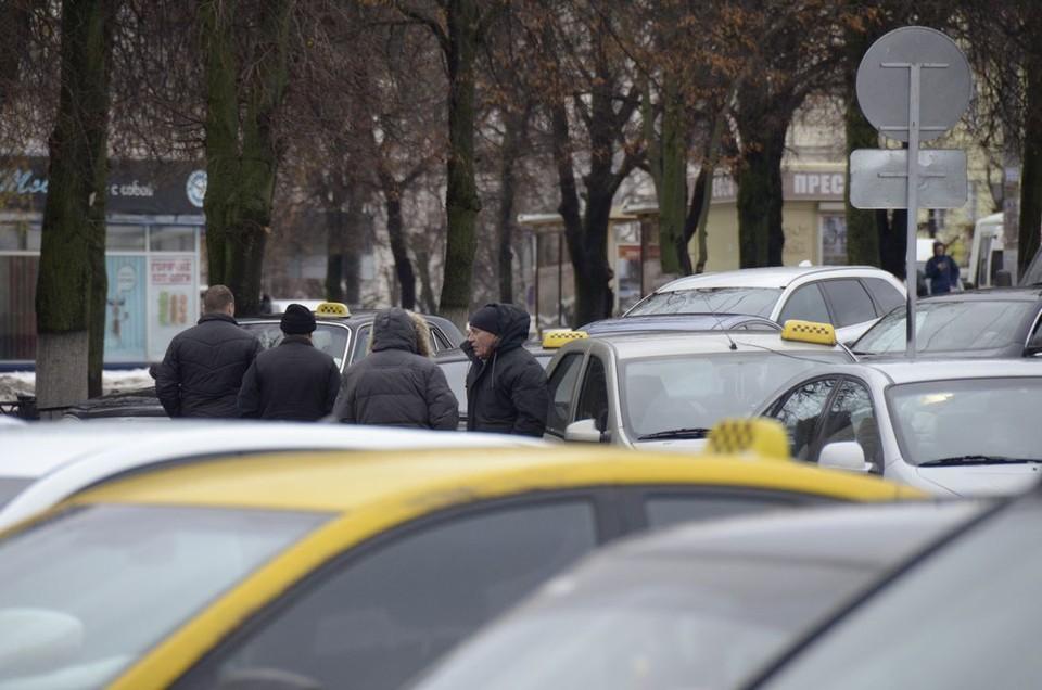 Тульской области с начала года поймали 134 нелегальных таксиста