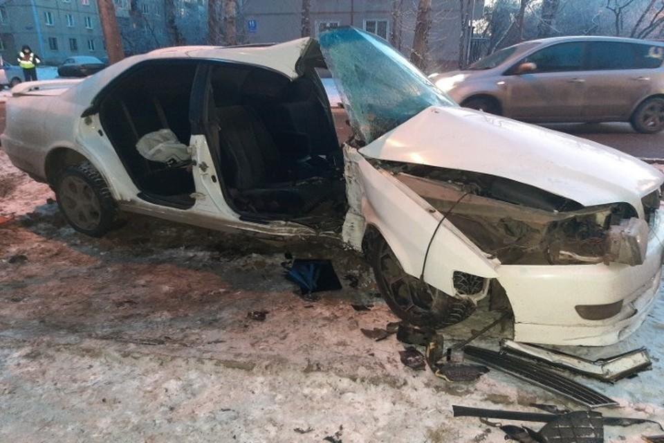Девушка-пассажирка погибла на месте