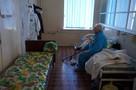 Репортаж из «красной зоны»-2: Там, где раньше встречали рождение жизни, сейчас борются со смертью