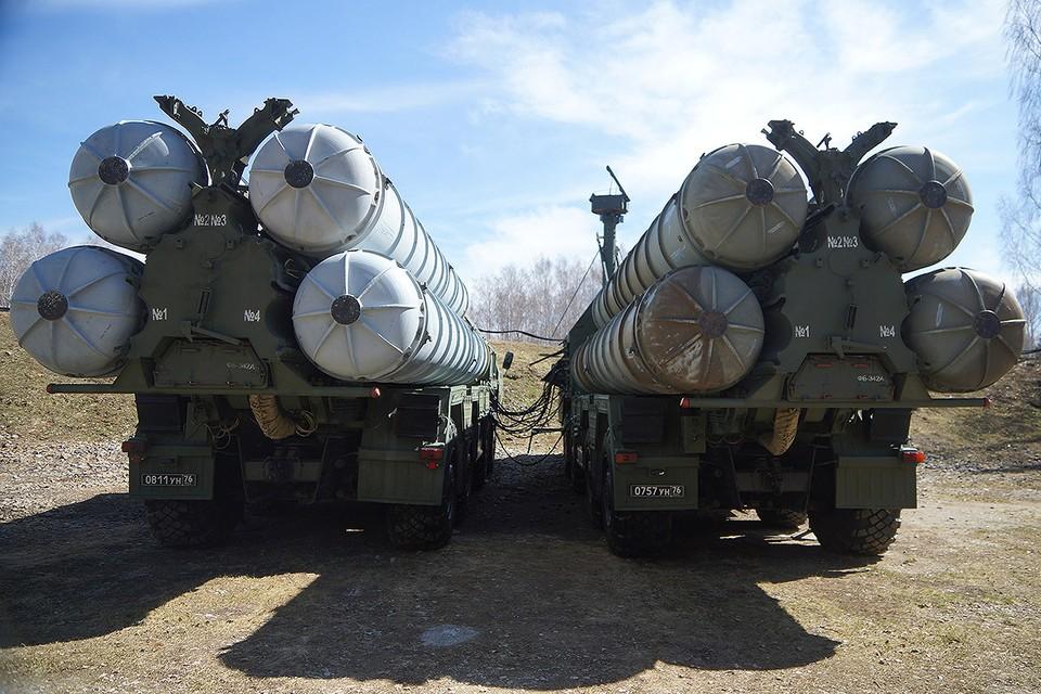 Ракетный комплекс С-300 на дежурстве в воинской части ПВО ВВС России.