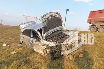 На Кубани в ДТП со школьным автобусом пострадали шесть человек