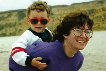 «Меня просто продали американским родителям за цену двух «Жигулей»: Усыновленный учеными из США Роберт Вудленд через 27 лет вернулся в Россию