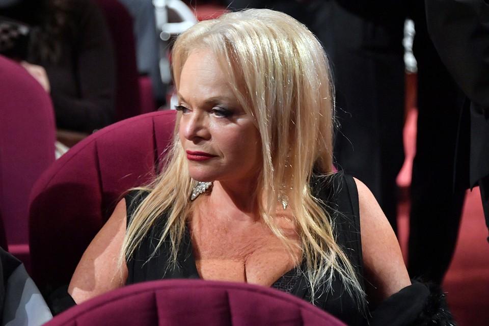 Лариса Долина не устает будоражить фанатов внезапными преображениями