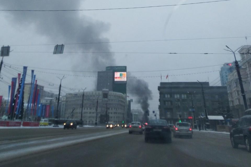 Черный дым было видно издалека. Фото: Лариса С./facebook.com