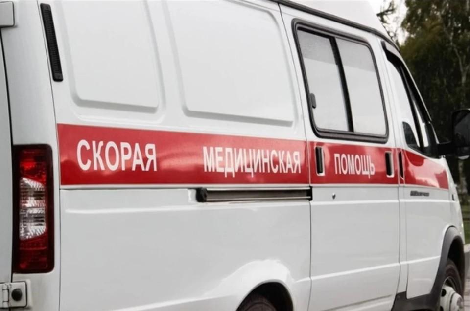 Как только мальчика нашли, к нему подбежали врачи. Фото: Василий ВАХРИН