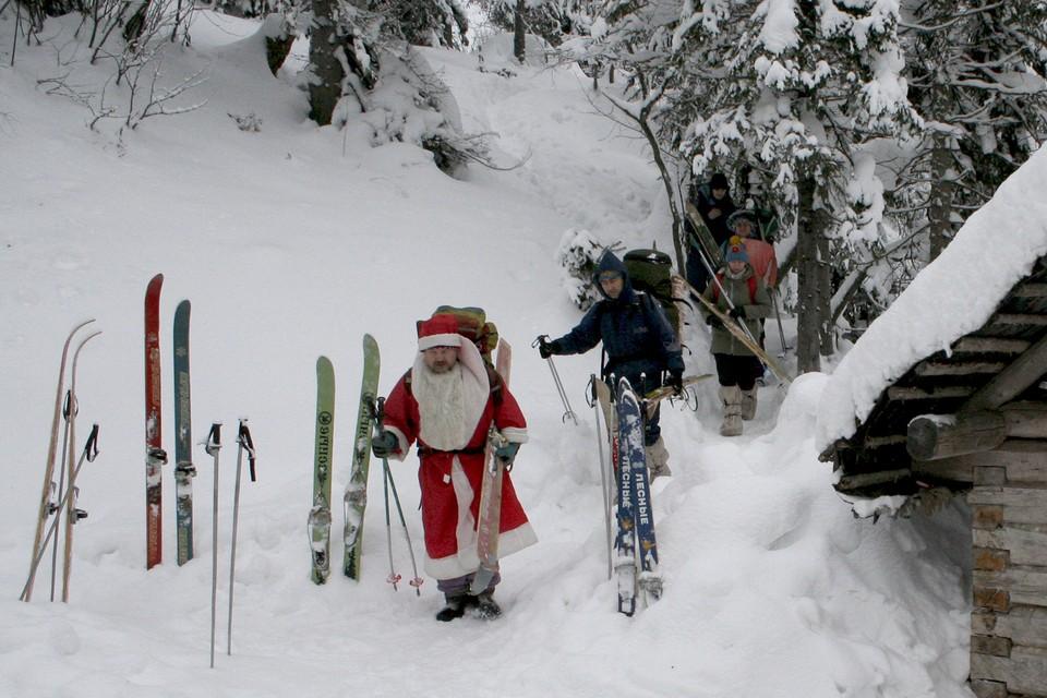 Дед Мороз в Мурманскую область пройдет, а вот туристы из других регионов - не все.
