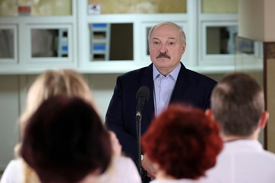 Лукашенко на встрече с коллективом Столбцовской центральной районной больницы объявил о намерении осовременить Основной Закон
